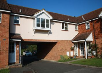 Thumbnail 1 bed flat to rent in Anxey Way, Haddenham, Aylesbury