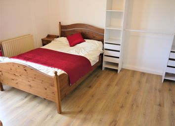 Thumbnail 5 bed shared accommodation to rent in Waterloo Road, Gillingham