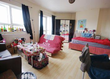 Thumbnail 4 bed flat to rent in Goldington Street, London