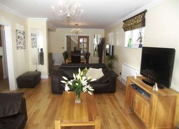 Thumbnail 4 bed bungalow to rent in Copperfield Avenue, Uxbridge