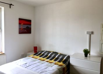 Thumbnail Room to rent in Temple Bar, Willenhall