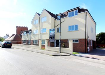 Thumbnail 2 bed flat to rent in St. Peters Road, Maidenhead