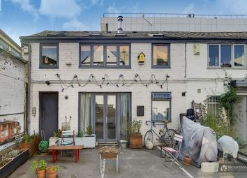 Orsman Road, Hoxton N1. 2 bed property for sale