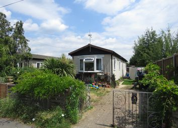 Heywood Gardens, Maidenhead SL6. 2 bed mobile/park home