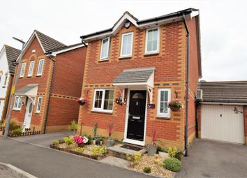 Thumbnail 3 bed link-detached house for sale in Gwalch Y Penwaig, Barry