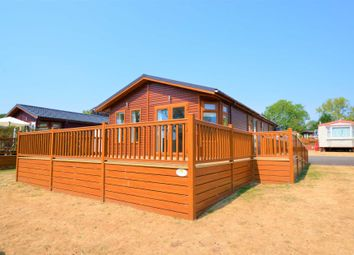 2 bed mobile/park home for sale in Haveringland, Norwich NR10
