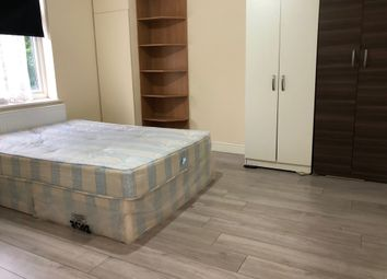 Thumbnail Room to rent in Castleton Road, Ilford, Essex