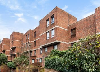 Lily Close, London W14. 2 bed flat for sale