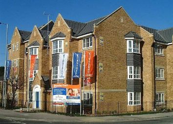 Thumbnail 2 bed flat to rent in Russet Way, Bramley Court, Dunstable