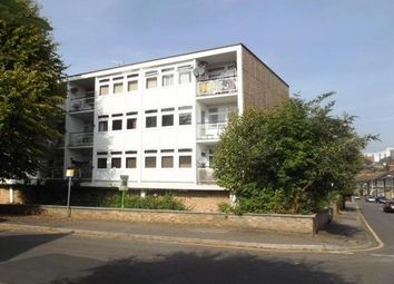 Thumbnail 2 bed flat to rent in Warley Mount, Warley, Brentwood