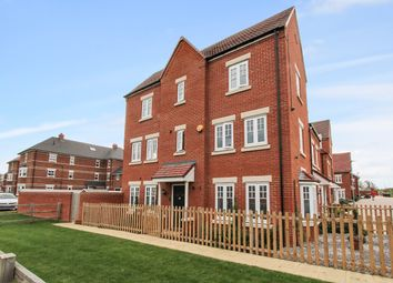 Saunders Field, Kempston, Bedford MK42. 4 bed semi-detached house