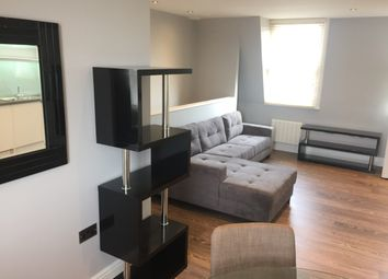 Thumbnail 2 bed triplex to rent in Walworth Road, Zone 1, Elephant & Castle, London