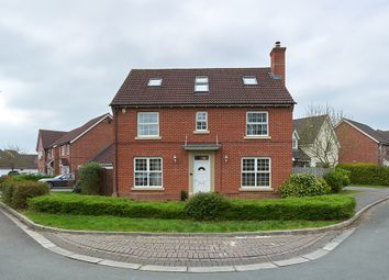 Thumbnail 5 bedroom detached house for sale in Wynwards Road, Swindon