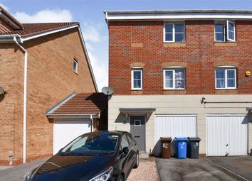 Thumbnail 3 bed town house for sale in Meadow Rise, Kingswood, Hull