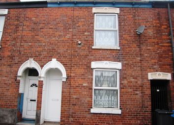 Thumbnail 2 bedroom terraced house to rent in Perry Street, Hull