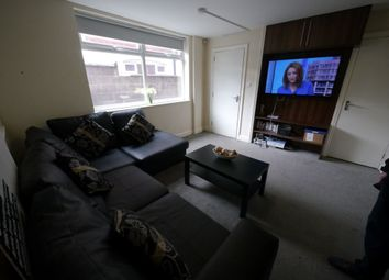 Thumbnail 5 bed property to rent in Richmond Mount, Hyde Park, Leeds