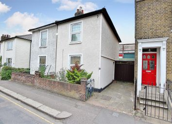 2 bed semi-detached house to rent in New Road, Brentford TW8