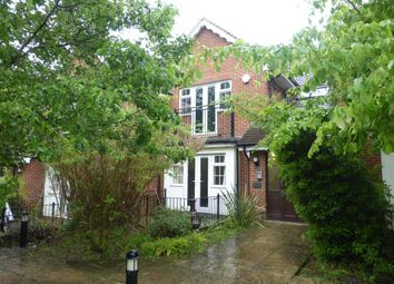 Thumbnail 2 bedroom flat for sale in Sadlers Court, Winnersh, Wokingham