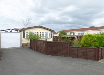Thumbnail 2 bedroom mobile/park home for sale in Roi-Mar Home Park, Throop Road, Bournemouth