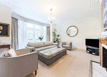 Morpeth Mansions, Morpeth Terrace, Westminster, London SW1P. 3 bed flat