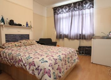 Room to rent in Daybrook Road, London SW19