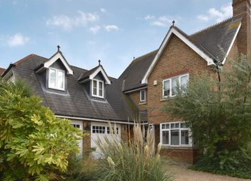 5 bed detached house for sale in Pucknells Close, Swanley BR8