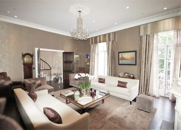 Thumbnail 5 bed property to rent in Halkin Place, Belgravia