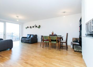 Thumbnail 3 bed flat to rent in Queensbridge Road, London