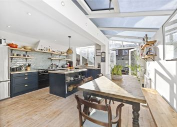 Thumbnail 4 bed property to rent in Glengall Road, London