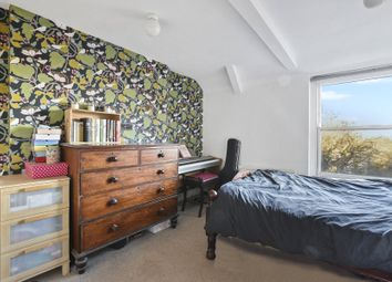 Thumbnail 3 bedroom flat for sale in Hornsey Lane, Highgate, London