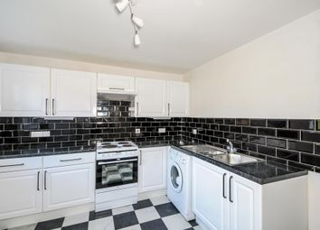 Thumbnail 2 bedroom flat for sale in Lambourn, Berkshire