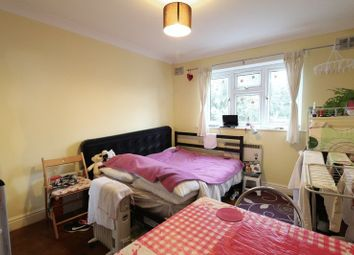 Thumbnail Studio to rent in Willoughby Road, London