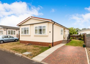 Thumbnail 2 bed mobile/park home for sale in Bedford Road, Lower Stondon, Henlow