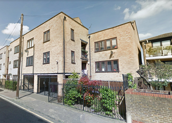 Thumbnail Studio to rent in Cleveland Way, Stepney Green/Mile End