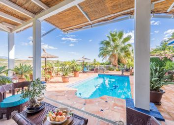 Thumbnail 4 bed villa for sale in Estepona Golf, Estepona, Malaga Estepona