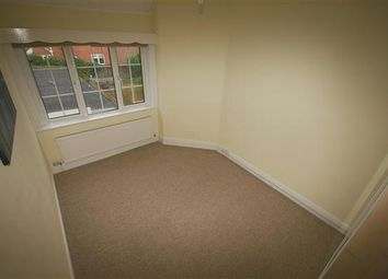 Thumbnail 2 bed flat to rent in Newlands Avenue, Shirley, Southampton