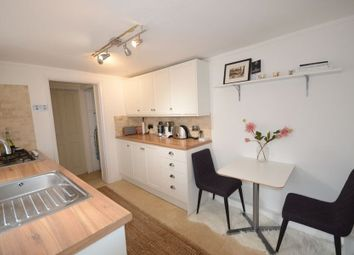 Thumbnail 1 bed flat to rent in Arthur Road, Windsor
