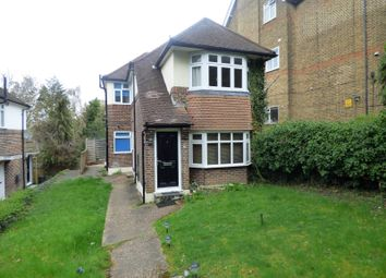 2 bed maisonette to rent in Robins Court, Bromley Road, Beckenham BR3