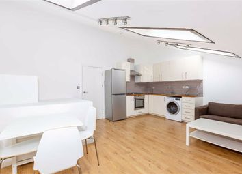 2 bed flat to rent in Torriano Mews, Kentish Town, London NW5