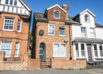 Thumbnail 2 bed flat to rent in Station Road, Marlow