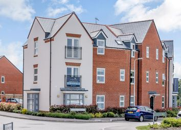 2 bed flat to rent in Ifould Crescent, Wokingham RG40