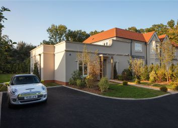 Sunningdale Villas, London Road, Sunningdale, Ascot SL5. 2 bed flat