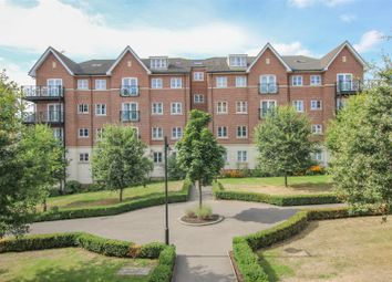 2 bed flat to rent in Viridian Square, Aylesbury HP21
