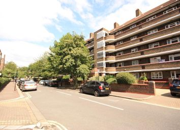3 bed flat to rent in Phipps House, White City, London W12