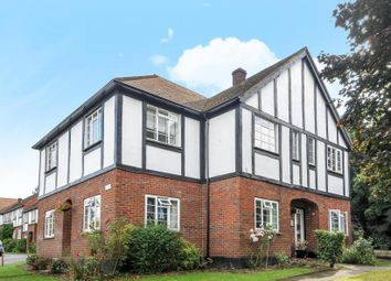 2 bed maisonette to rent in Monument Hill, Weybridge, Surrey KT13