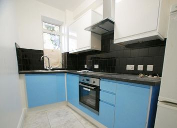 Thumbnail 1 bed flat to rent in Barons Court Road, Barons Court