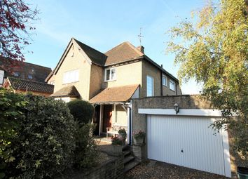 Thumbnail 3 bed detached house to rent in Chipperfield Road, Hemel Hempstead