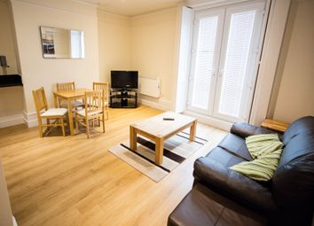 Thumbnail 1 bed flat to rent in Queens Road, Reading