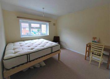 4 bed property to rent in Alderwood Road, Eltham, London SE9