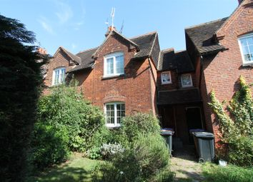 Thumbnail 2 bed cottage for sale in Glebeland, Hatfield